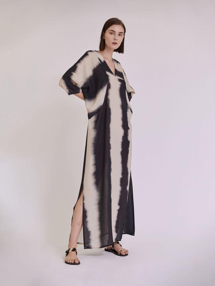 Ριγέ maxi φόρεμα με ανοίγματα
