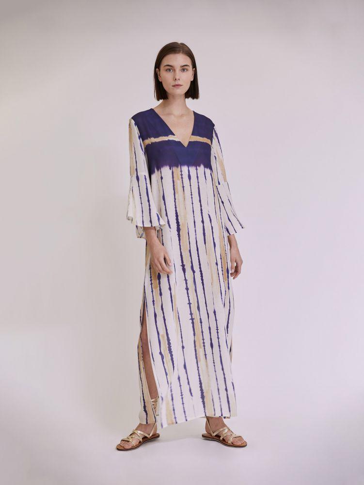 Εμπριμέ maxi φόρεμα με ανοίγμα στο πλάι